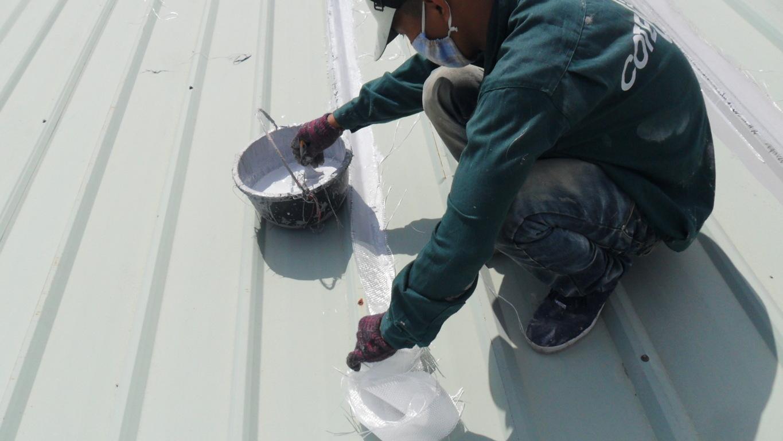 Dịch vụ chống dột mái tôn quận phú nhuận tphcm - Thợ chống thấm giá rẻ tại Hcm