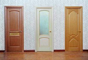 thợ chuyên nhận sơn cửa gỗ tại nhà giá rẻ