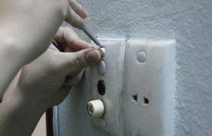Thợ sửa công tắc điện tại nhà