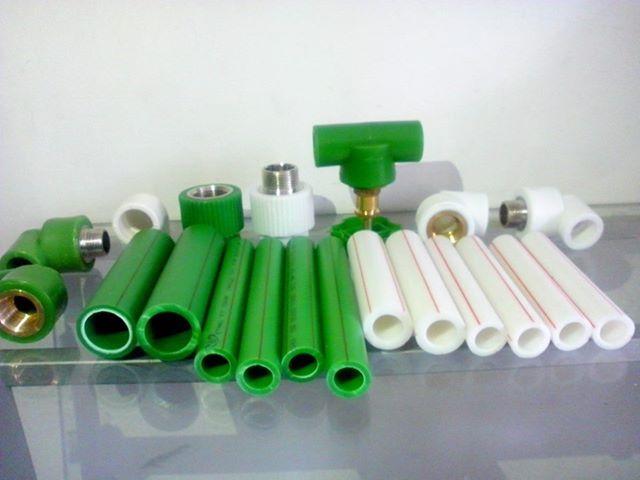 Thợ sửa ống nước nóng